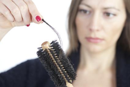 女性の抜け毛の原因は?