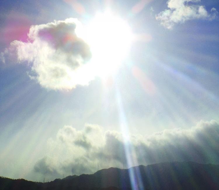 梅雨の抜け毛の理由(4)強い紫外線
