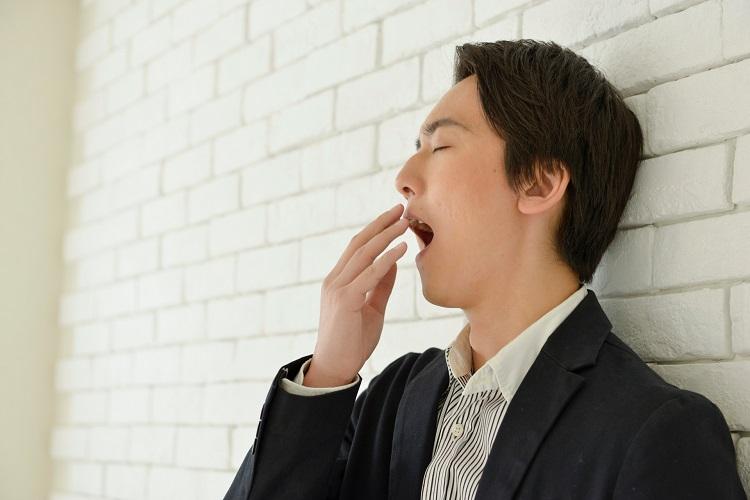 薄毛と睡眠不足の関係を知りたい。睡眠不足は薄毛になる?